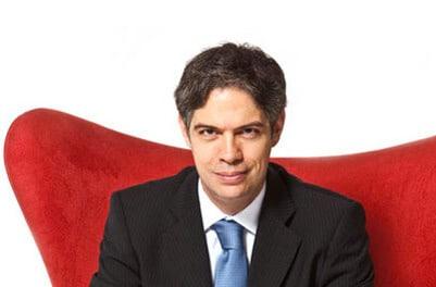 Ricardo Amorim contratar palestra de economia