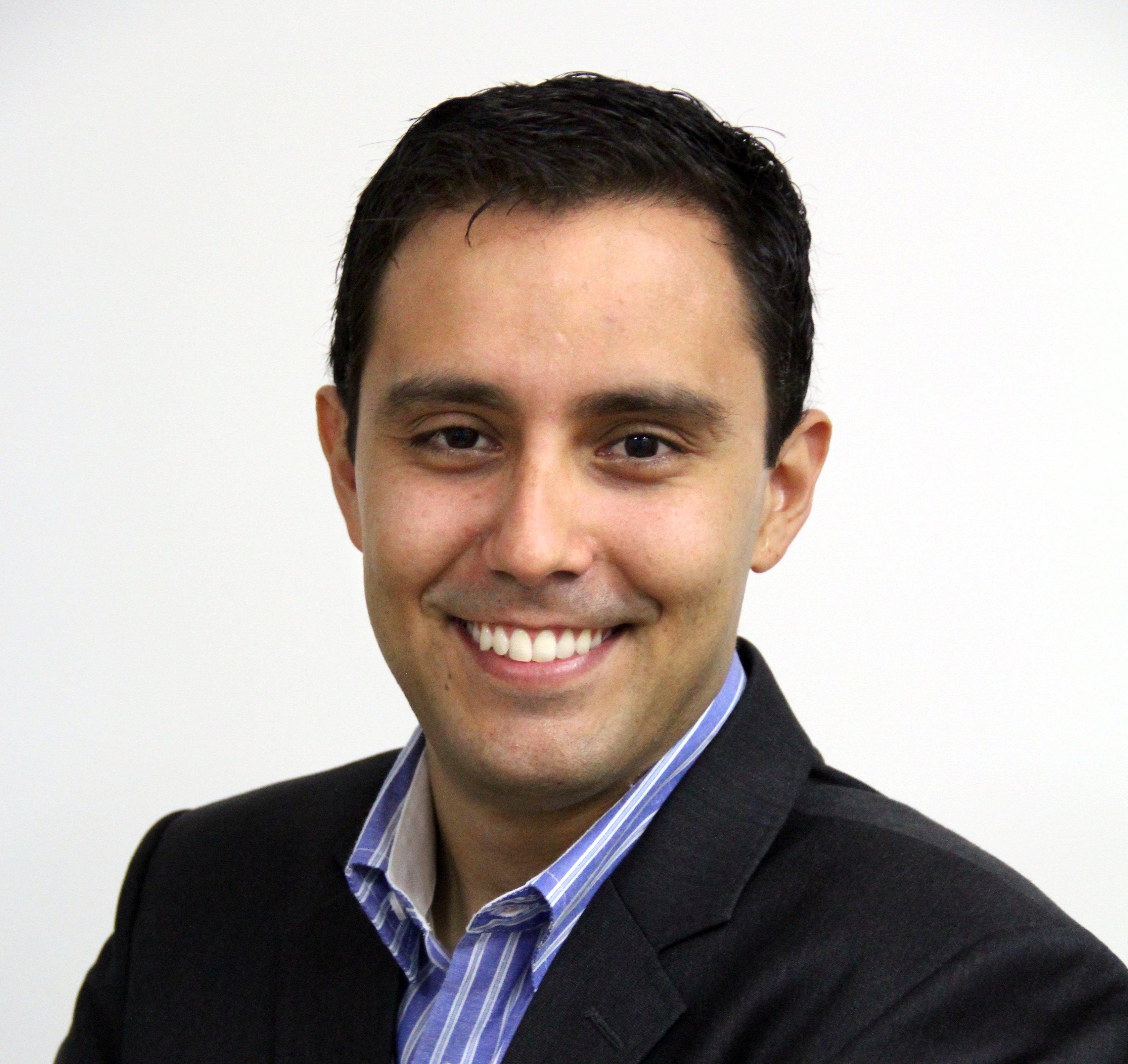 Conrado Navarro contato para contratar palestras 11 3090-7890